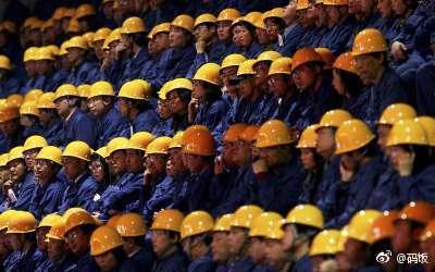 China's Controle op Werknemers middels Kunstmatige Intelligentie (Nieuwe Feiten/Radio 1)