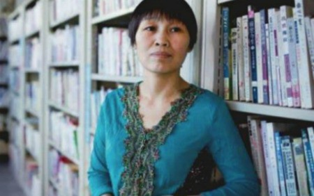 Talking About Chinese Literary Sensation Fan Yusu (BBC Newshour)